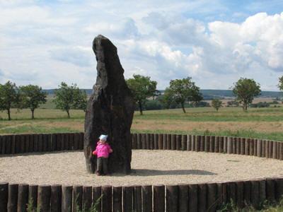 J And J Transport Stonehenge Obr. 3 Jedna z významných megalitických památek Čech - menhir ...